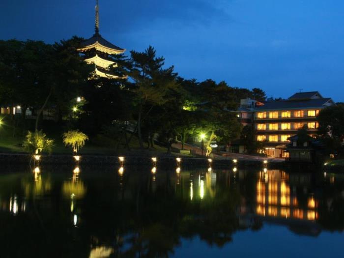 猿澤池吉田屋旅館的圖片1